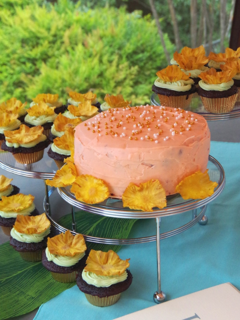 Mint and Coral Chocolate Cake & Cupcakes with Pineapple Flowers | Life by Ky Blog